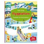 På Flygplatsen Pysselbok med Klistermärken