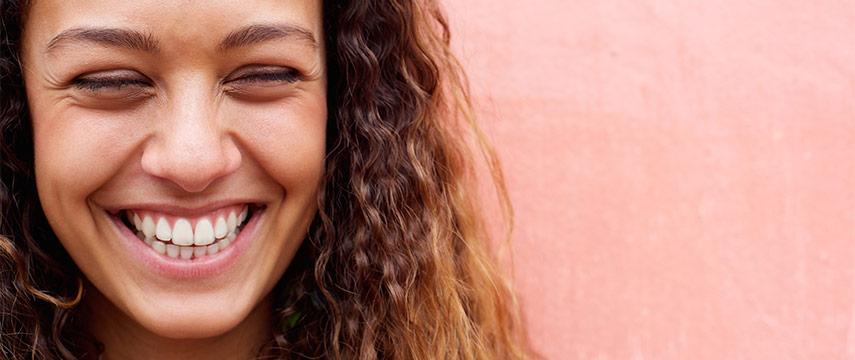 Tappar du mycket hår  5 kosttips som kan rädda frisyren - Apotek Hjärtat 8636884c34186